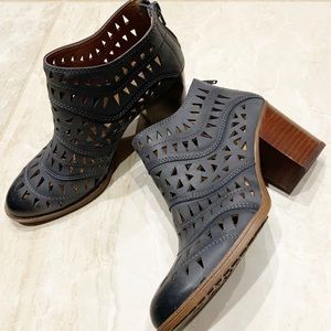 Sofft Westwood leather laser cut booties boots